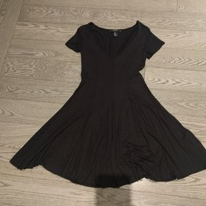 Black dress by forever 21